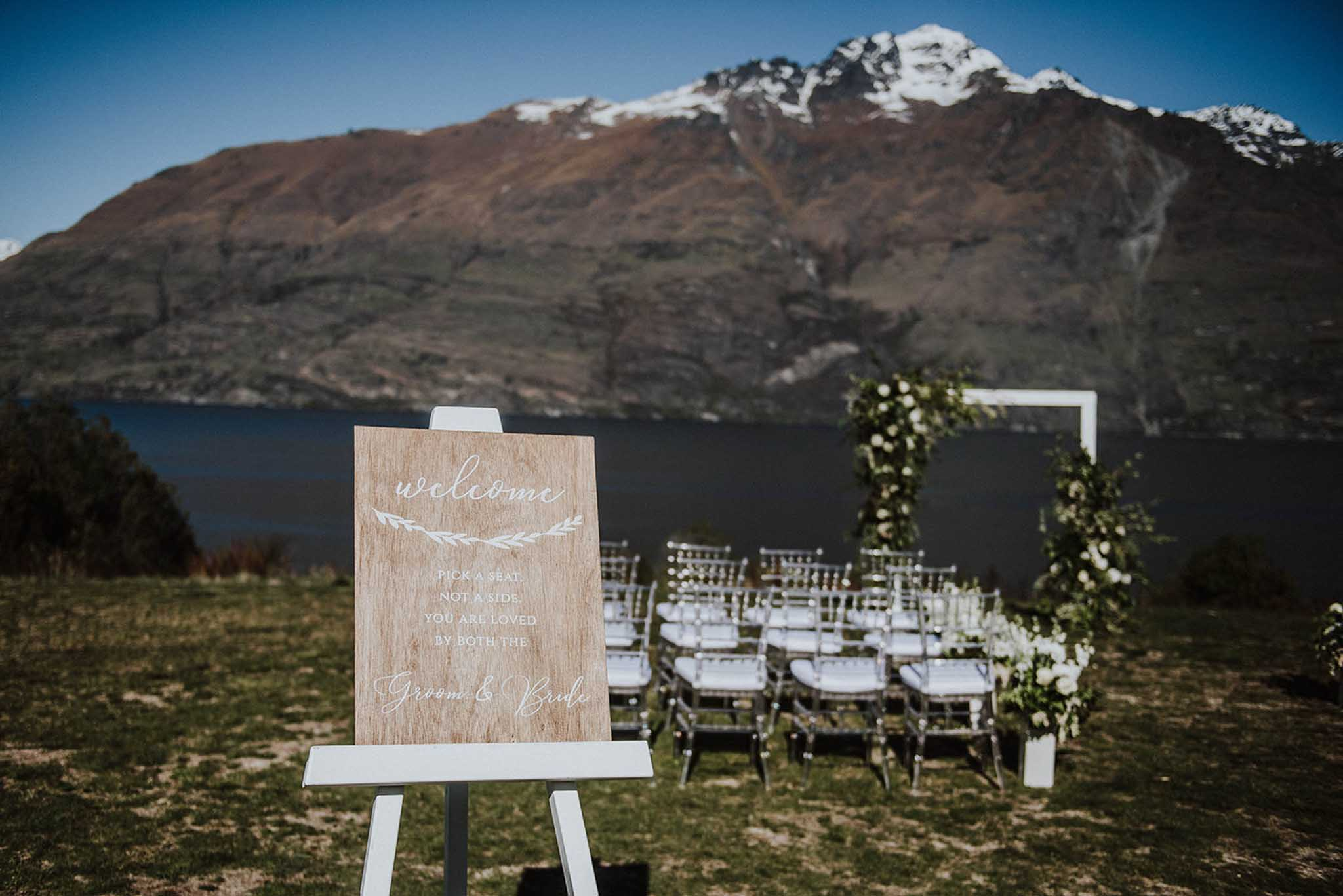 Destination winter mountain wedding package in Queenstown New Zealand with Simply Perfect Weddings